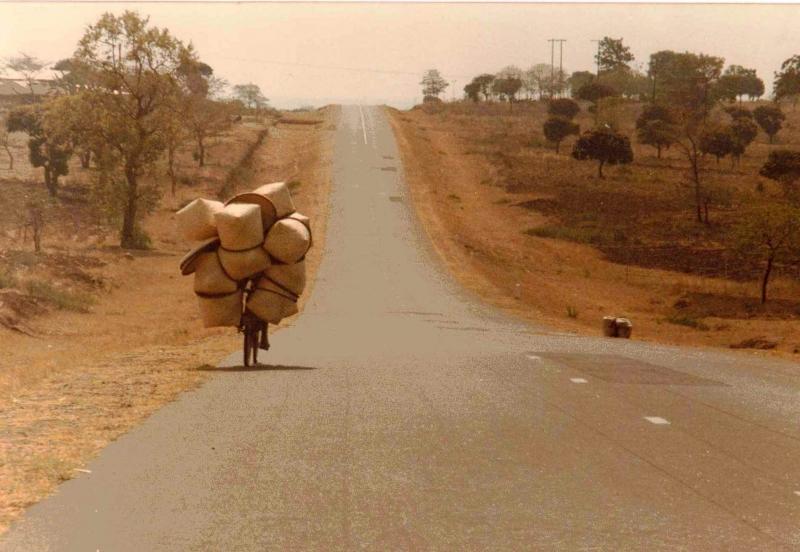 Mức lương tối thiểu ở Malawi là 412 USD/năm nhưng chi phí sinh hoạt ở đây lại khá thấp so với các nước phát triển khác