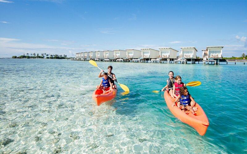 Hoạt động chèo thuyền Kayak rất phù hợp và thú vị cho bạn