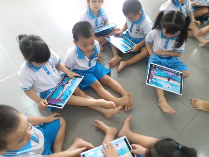 Trẻ được học tập, vui chơi cùng bạn bè