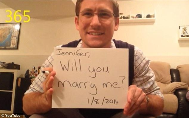 Dean Smith và lời cầu hôn ngọt ngào