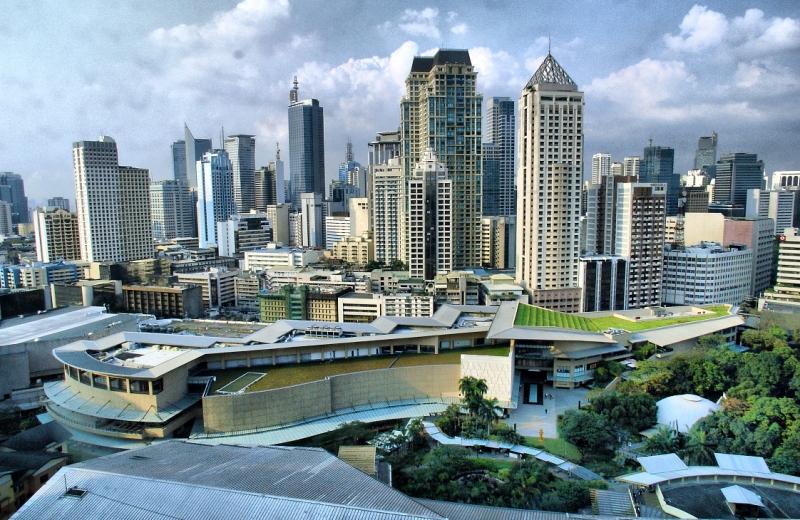 Manila là trung tâm kinh tế và chính trị của Philippines