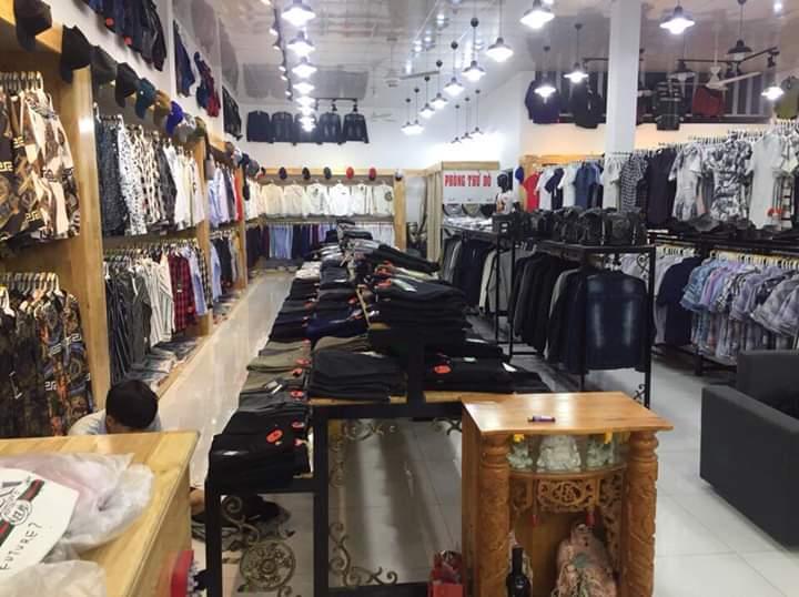 Manly shop với quần áo và phụ kiện đem đến sự lịch lãm cho nam giới.
