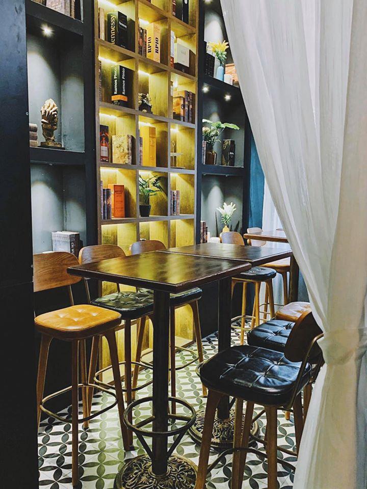 Manoir Café