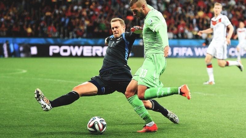 Neuer băng ra xoạc bóng như một hậu vệ