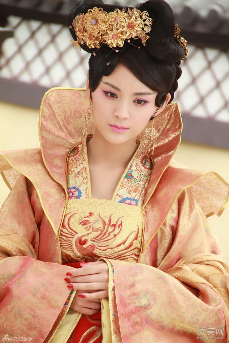 Mao Lâm Lâm xinh đẹp trong tạo hình Trịnh Nhi phim phim Lan Lăng Vương (2013)
