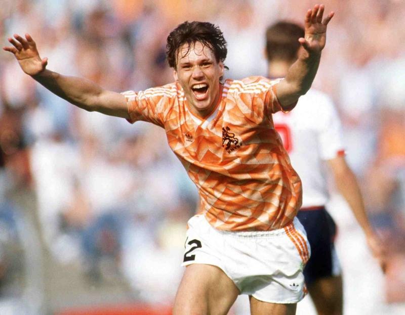 Marco van Basten trong màu áo tuyển Hà Lan.