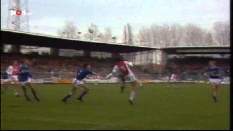 Tình huống Van Basten ghi bàn