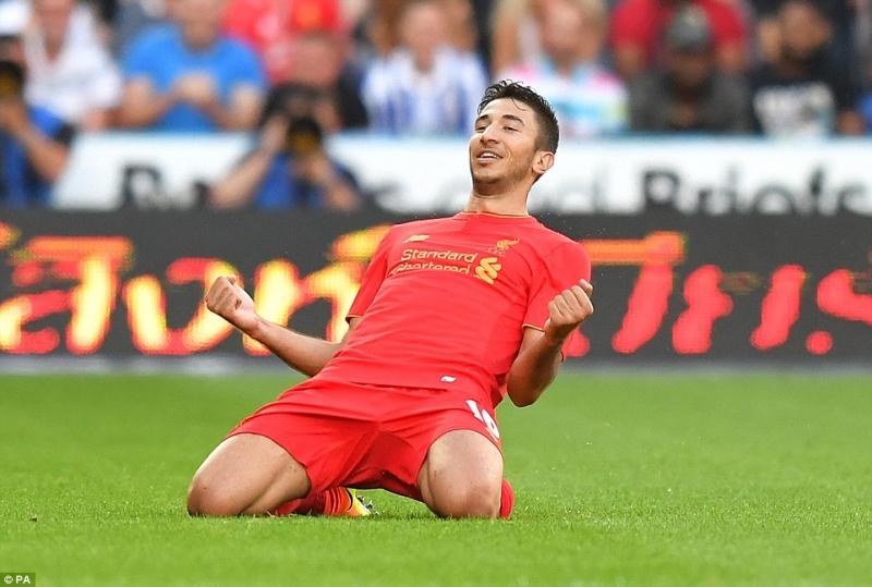 Marko Grujic mới chuyển đến Liverpool