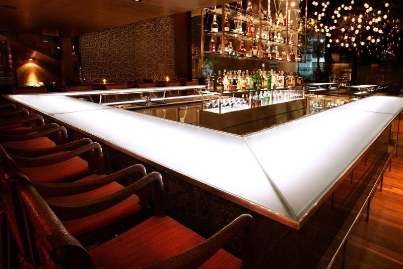 Martini Bar – Park Hyatt Saigon Hotel