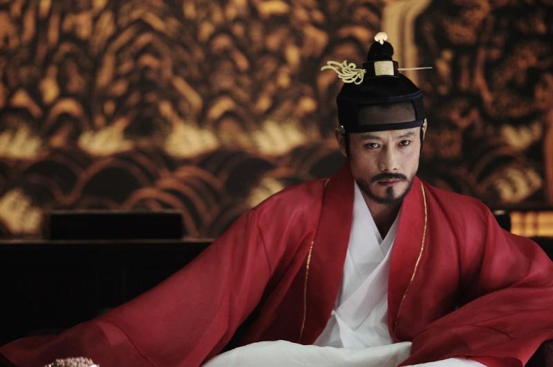 Lee Byung Hyun đảm nhiệm hai vai trong Masquerade