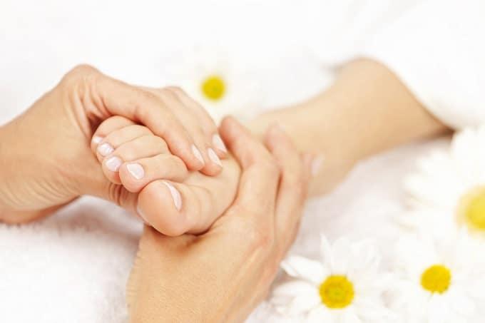 Giảm size bắp chân nhanh bằng cách mát xa bắp chân,