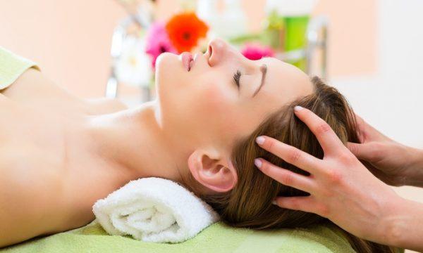 Massage da đầu giảm lượng tóc rụng