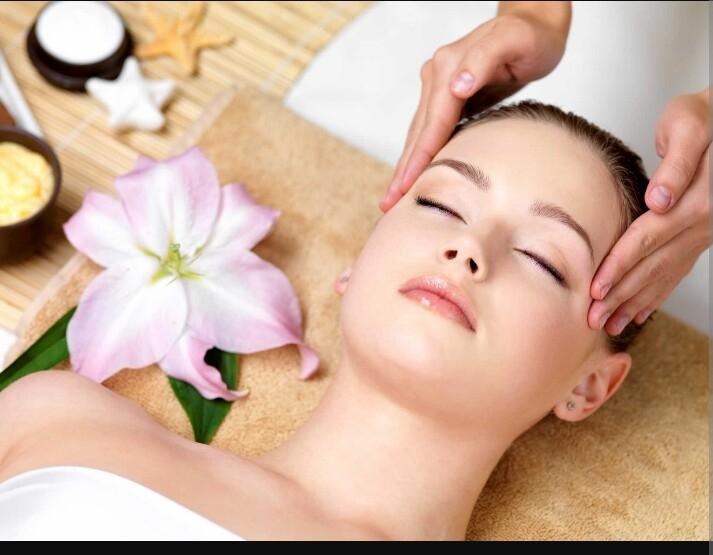 Massage đầu giúp giảm căng thẳng
