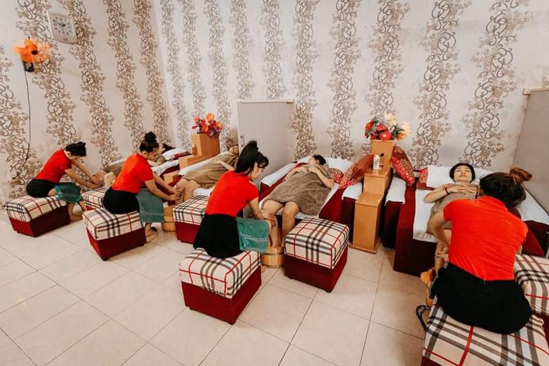 Massage gia đình Royal