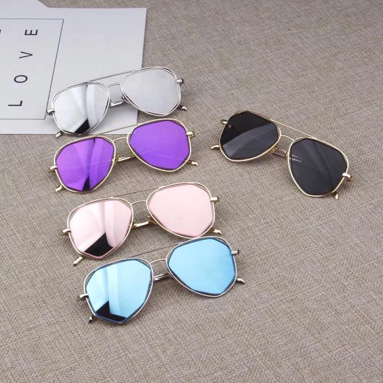Shop có đa dạng các loại mắt kính xách tay, kính mắt thời trang nam, mắt kính thời trang nữ, mắt kính trẻ em......