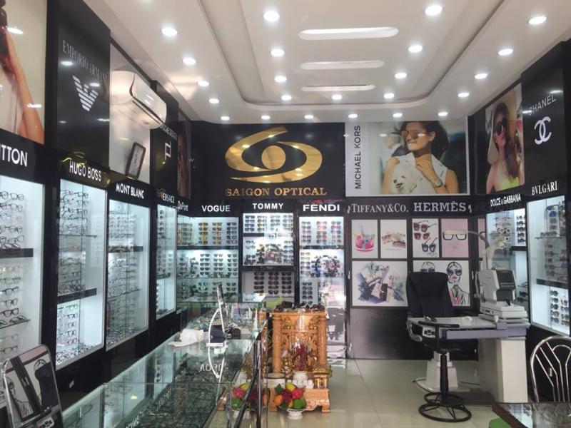 Cửa hàng kính mắt Mắt Kính Sài Gòn là cửa hàng mắt kính uy tín ở Hội An