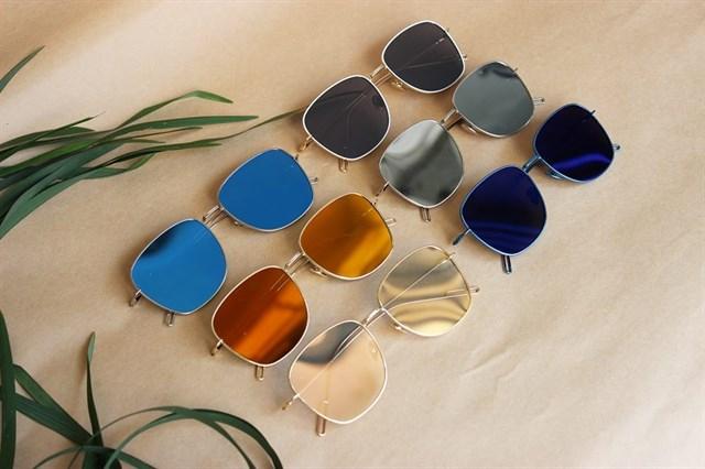 Shop chuyên bán mặt hàng kính mắt thời trang Nam Nữ – Gọng kính cận cao cấp