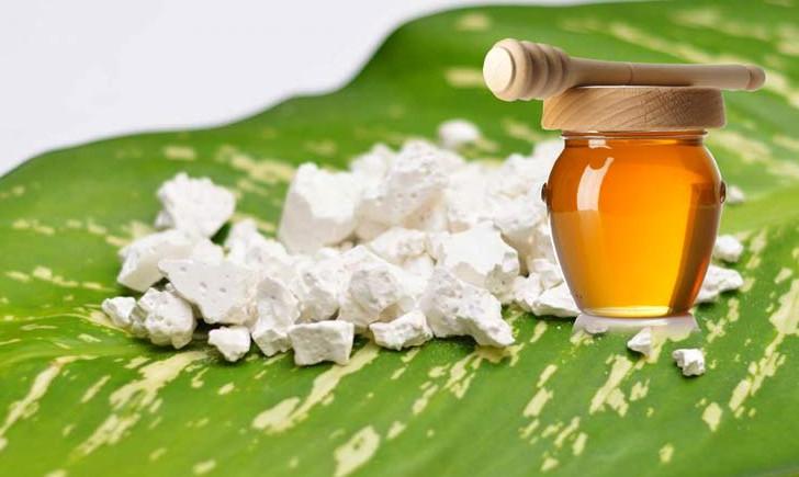Mặt nạ mật ong và bột sắn dây