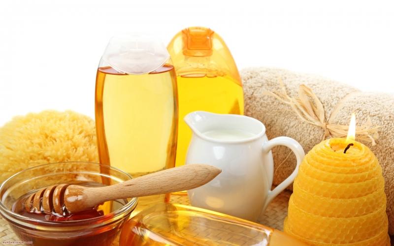 Mật ong nguyên chất làm sáng da