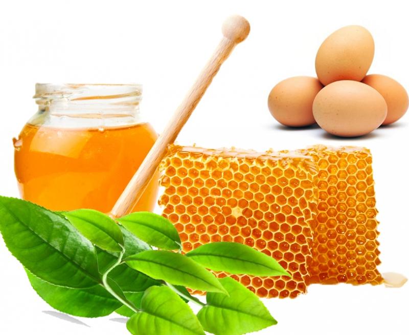 Mật ong và lòng trắng trứng gà