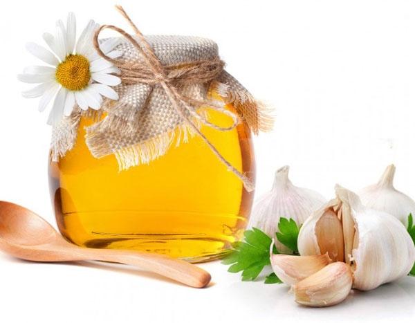 Mật ong và tỏi khô