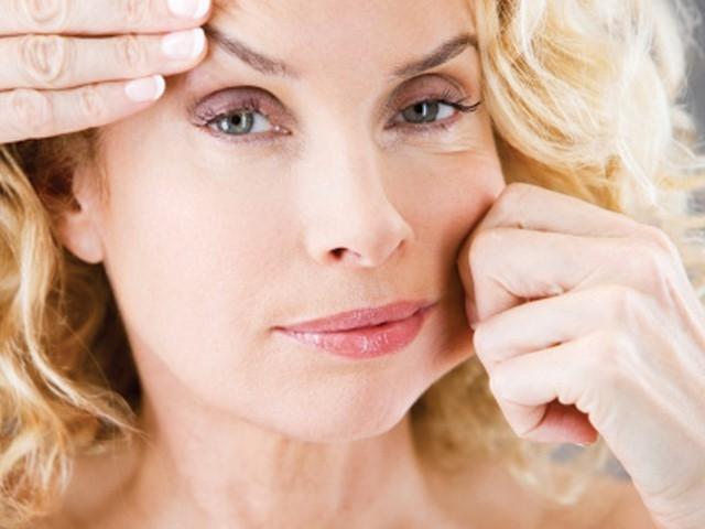 Theo tuổi tác, khuôn mặt của bạn cũng bị biến dạng đi