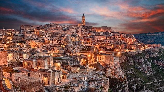 Matera, Italy đón hoàng hôn