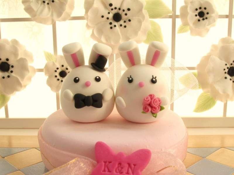 Mẫu bánh cưới trang trí bộ đôi thỏ dễ thương khiến nhiều gặp đôi yêu thích!