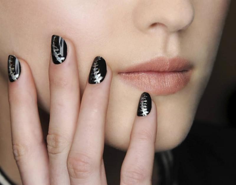 Màu đen kết hợp với kim tuyến