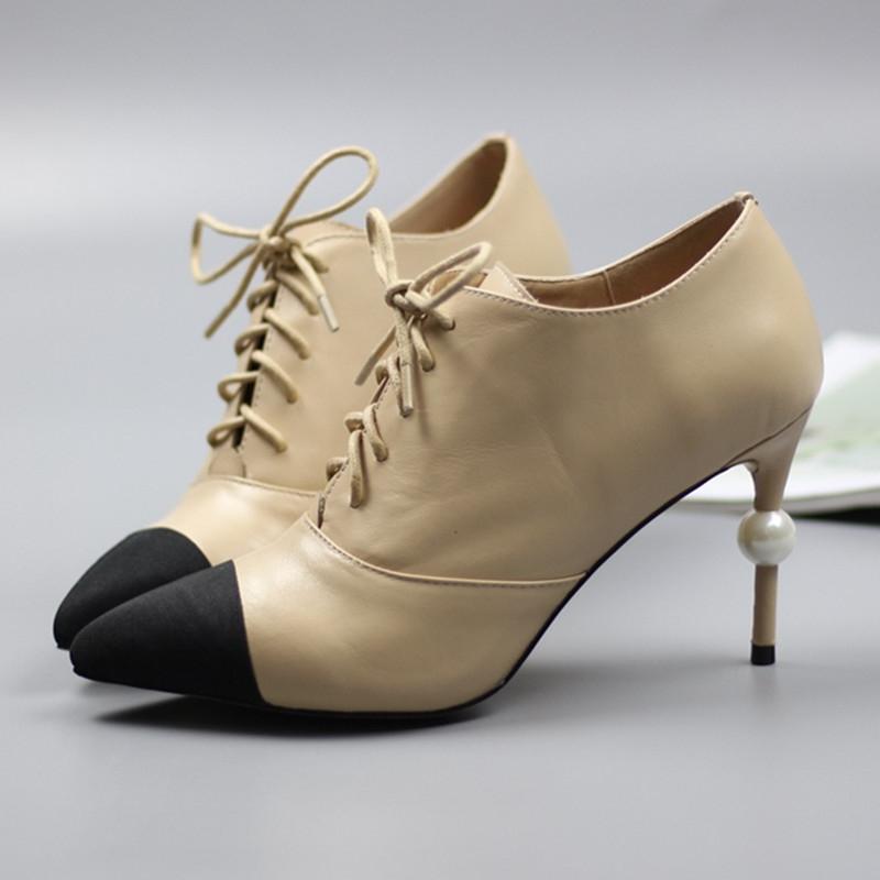 Giày đính ngọc trai