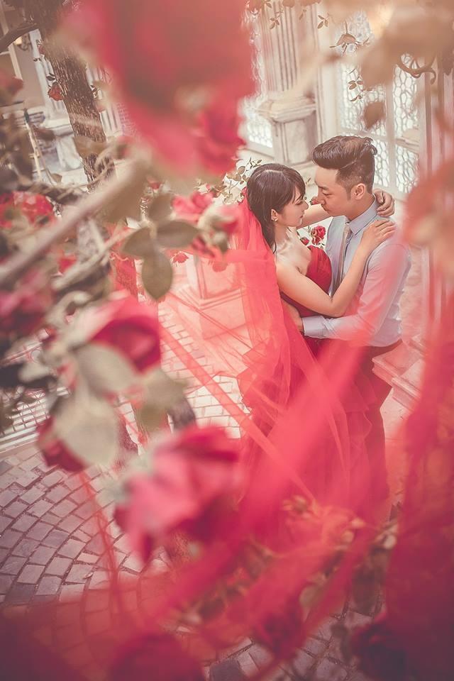 Màu sắc áo cưới