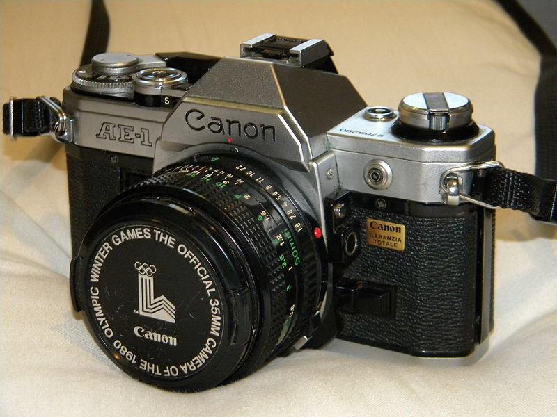 Máy ảnh cơ Canon AE-1