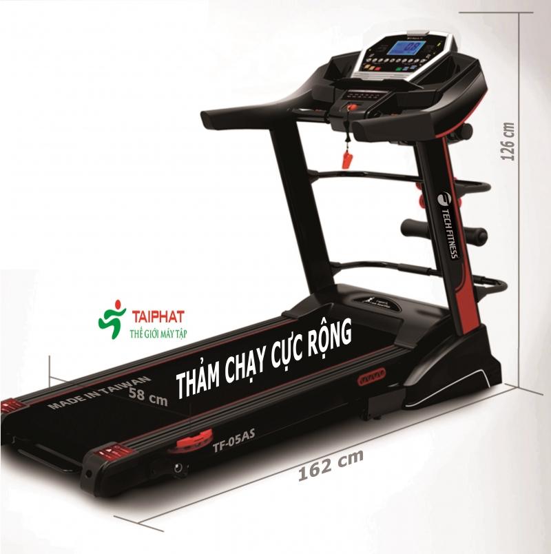 Máy chạy bộ Tech Fitness có thiết kế mạnh mẽ, hiện đại