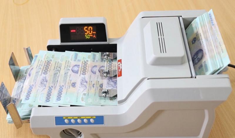 Máy đếm tiền Silicon MC-8800 giúp đếm tiền nhanh chóng và chính xác