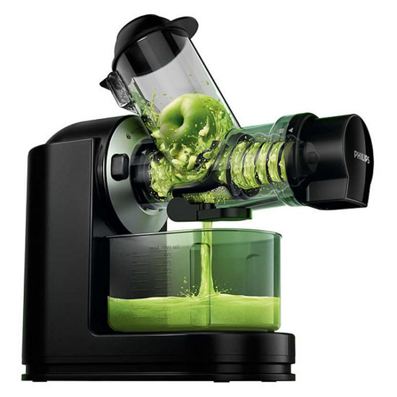 Bạn không còn phải cắt nhỏ hầu hết các loại rau và trái cây để vừa với miệng ép của máy nữa. Chỉ cần đẩy rau và trái cây vào trong ống ép, bạn sẽ có được một ly nước ép bổ sung dinh dưỡng mỗi ngày