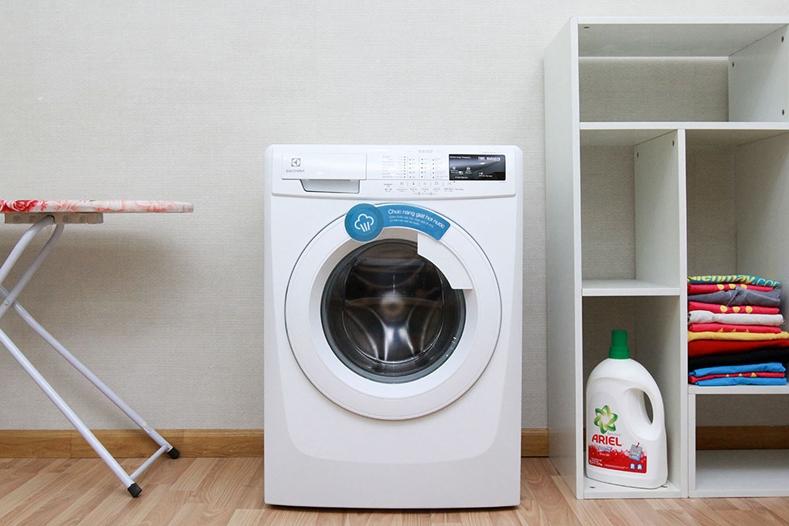 Máy giặt Electrolux EWF12844 lồng ngang 8kg