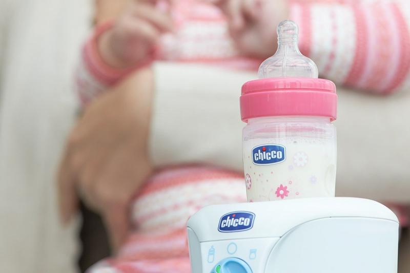 Máy hâm sữa Chicco làm từ chất liệu cao cấp, an toàn