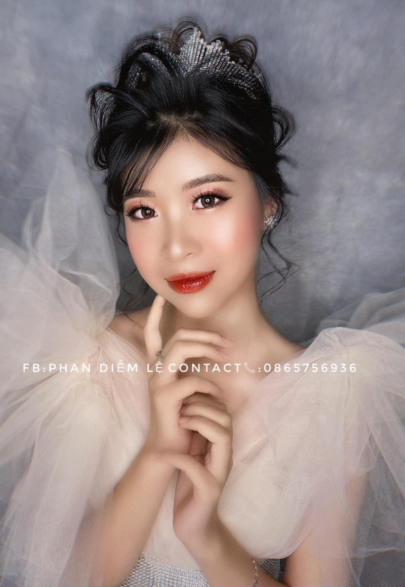 May Makeup (May Beauty)