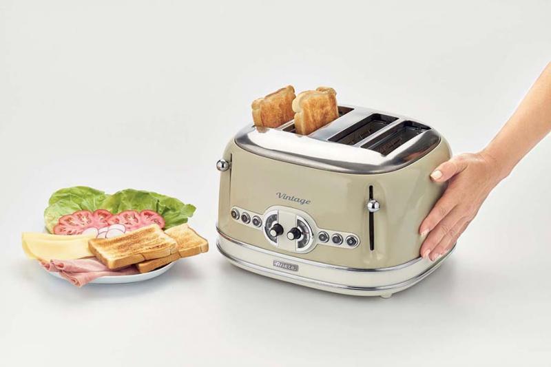 Máy nướng bánh mì, sandwich Ariete MOD 0156 có thiết kế cực sang trọng, mang 1 chút cổ điển sẽ tạo điểm nhấn cho không gian căn bếp.