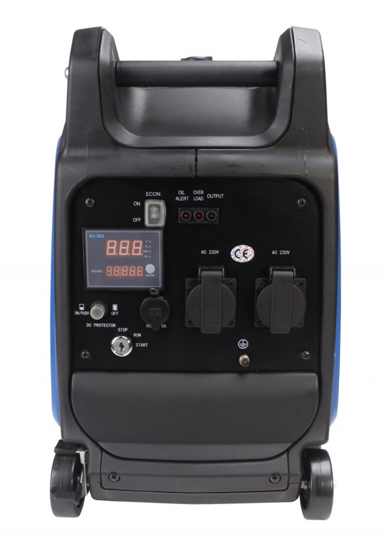 Máy phát điện sử dụng nguyên liệu xăng nên tiết kiệm chi phí, khởi động bằng giật nổ hoặc đề điện.