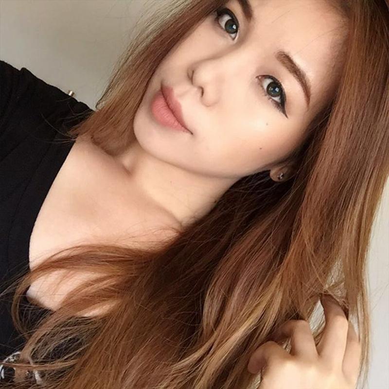 Beauty vlog Chang Makeup đánh son Maybelline Clay Crush ( nguồn instagram @changmakeup)
