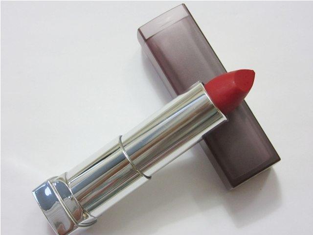 Maybelline Cream Matte - 690 Siren in scarlet
