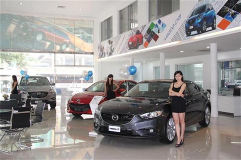 Một số mẫu xe trưng bày tại Mazda Cộng Hòa.