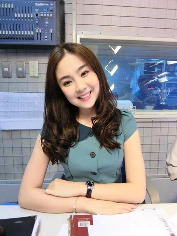 Nữ MC chương trình dự báo thời tiết xinh đẹp nhất của đài truyền hình