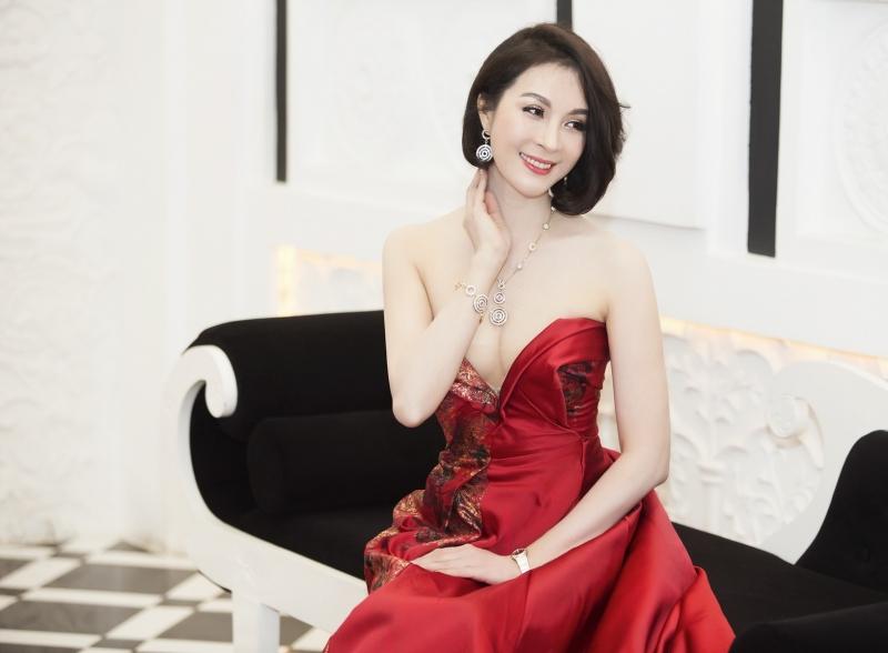 MC Thanh Mai xinh đẹp đầy quyến rũ