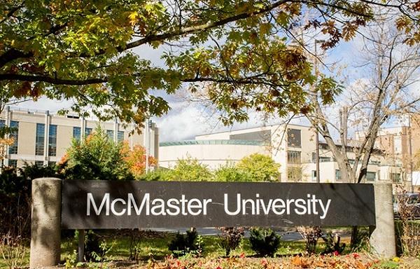 McMaster University còn có tên gọi khác là trường đại học Mac, được thành lập vào năm 1887, tọa lạc tại thành phố Hamilton, phía Nam Ontario