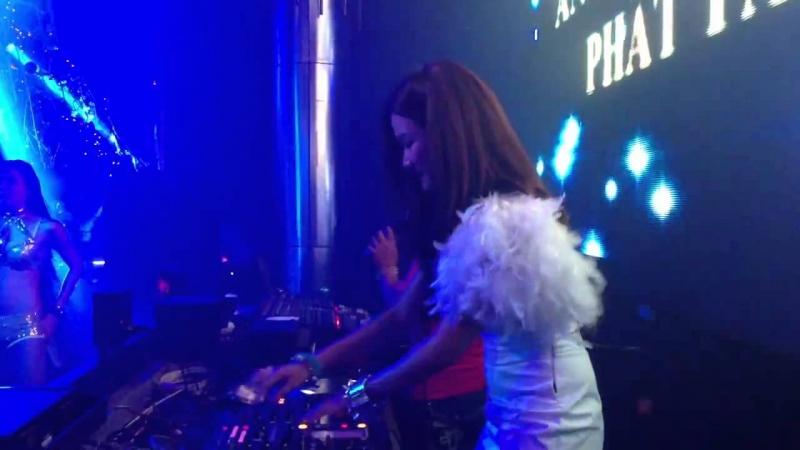 DJ Trang Moon On the Mix tại MDM