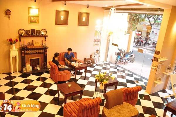 Không gian quán Me Cafe