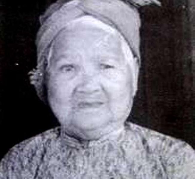 Mẹ Phạm Thị Ngự