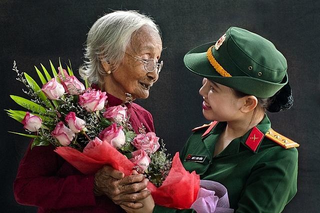 Có lẽ, không ở đâu trên thế giới này, khái niệm Mẹ Tổ quốc lại đúng như ở Việt Nam